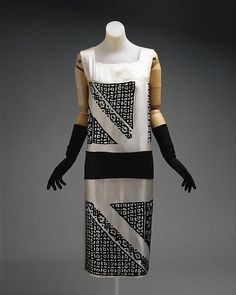 Dress (image 1) | House of Lanvin | French | 1924 | silk, wool | Metropolitan Museum of Art | Accession Number: 1980.92.1a–c