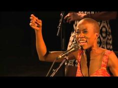 ▶ Rokia Traoré - @ The Festival Les Suds in Arles - YouTube