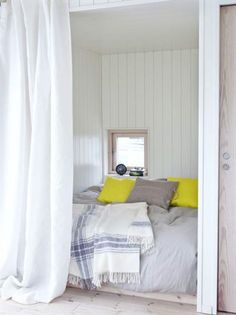 Double room: 102 ideas and projects to decorate your environment - Home Fashion Trend Tiny House Cabin, Tiny House Living, Home Bedroom, Bedroom Decor, Brick Cladding, Beautiful Small Homes, Swedish House, Compact Living, Deco Design