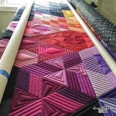 Straight lines for days. Quilting Rulers, Longarm Quilting, Quilting Tips, Quilting Tutorials, Machine Quilting Patterns, Long Arm Quilting Machine, Quilt Patterns, Free Motion Quilting, Straight Line Quilting
