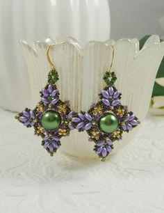 Duo Super tissées boucles d'oreilles violet et par IndulgedGirl