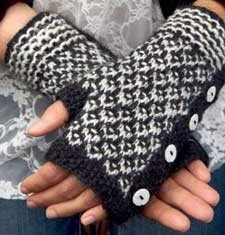 Fingerless gloves...cute and easy. Come Fall/Winter, I'm ADDICTED to my cuffs...