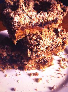 Date and Caramel Crumb Bars reneecheetham86.blogspot.com.au