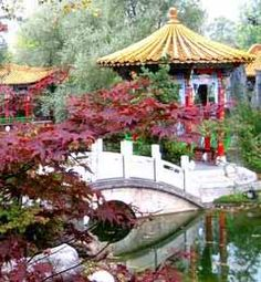 CHINESE GARDENS.I want to go see this place one day. Please check out my website Thanks.  www.photopix.co.nz