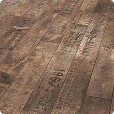 Décoration industrielle parquet bois patiné