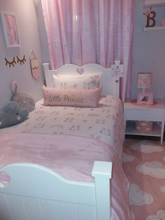 Teen Girl Bedrooms, C'mon Inspect the smart room change outline number 9807973220 Twin Girl Bedrooms, Girls Bedroom Furniture, Bedroom Decor For Teen Girls, Cute Bedroom Ideas, Girl Bedroom Designs, Small Room Bedroom, White Bedroom, Kids Bedroom, Unicorn Room Decor