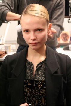 Natasha Poly, Pearl Earrings, Fashion, Moda, Pearl Studs, Fashion Styles, Bead Earrings, Fashion Illustrations, Pearl Stud Earrings