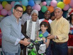 Diputado Serrata respalda actividad del Día de Navidad con niños de SDO