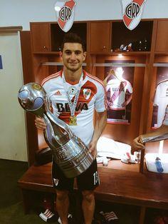 Alario a.k.a ALARDIOS. jajaja. River Plate Campeón de la Copa Argentina 2016. Rugby, River Tattoo, Lionel Messi, Carp, Football Team, Adidas, Goku, Bbc, Entertainment