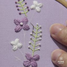 Ribbon Embroidery Tutorial, Hand Embroidery Patterns Flowers, Basic Embroidery Stitches, Hand Embroidery Videos, Creative Embroidery, Simple Embroidery, Learn Embroidery, Silk Ribbon Embroidery, Embroidery For Beginners