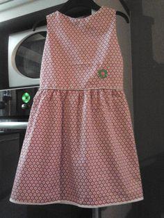 jurk, svdhz met rimpelrok en bloem gemaakt van kamsnaps