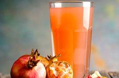Estratto di ananas, carota e melograno Raw Food Recipes, Healthy Recipes, Smoothie Detox, Beauty Shoot, Beverages, Drinks, Antipasto, Hurricane Glass, Pint Glass