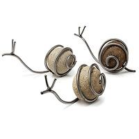 Snail Sculpture from UncommonGoods. DIY inspiration with rock and wire. Variation: use a marble instead of a rock. Wire Crafts, Rock Crafts, Diy And Crafts, Garden Crafts, Garden Art, Snails In Garden, Garden Snail, Rocks Garden, Cement Garden