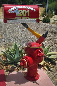 Another mailbox built by Rick LaJoie for a Ventura County fire station.  I enjoy his creativity.