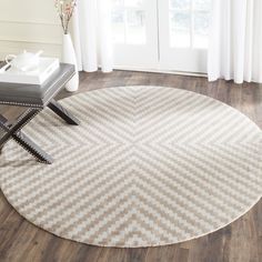 Safavieh Handmade Cambridge Grey/ Taupe Wool Rug (6' Round) (CAM323A-6R), Size 6'