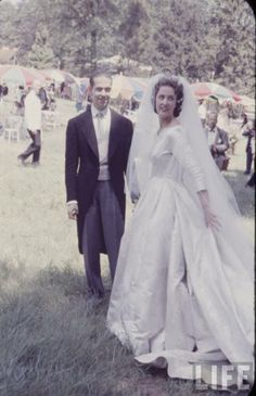 goddesssaintnoblewomannun:  Prince Henri of France, Count de Clermont and now Count of Paris, and Duchess Marie-Therese of Wurttemberg on their wedding day, July 5, 1957; the couple divorced in 1984.