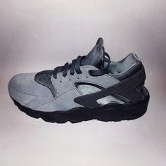 Nike Air Huarache LE wolf grey colour way. http://depop.com/en-gb/product/nike-air-huarache-le-wolf