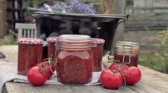 Fruchtig und lecker: selbst gemachtes Tomatenchutney.