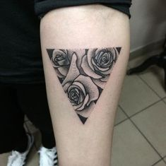 Billedresultat for tattoo rose black and white calf