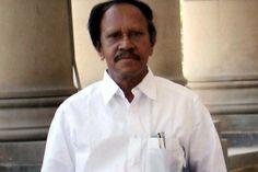 Aidmk mp deputy speaker offer modi favors jayalalitha