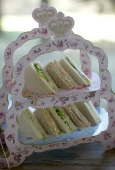 Tea time sandwiches - why do they taste yummier when they are cut into triangles !?