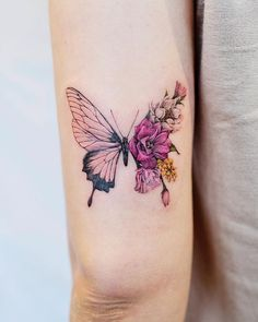 Realistic Butterfly Tattoo, Butterfly With Flowers Tattoo, Unique Butterfly Tattoos, Butterfly Tattoo Designs, Tattoo Designs For Women, Unique Tattoos, Cute Tattoos For Women, Floral Tattoo Design, Pink Butterfly