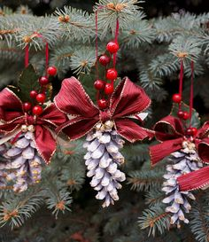 Pine Cone / Christmas Ornament / Pinecone Wedding / Winter Wedding / Christmas Wedding / Burgundy