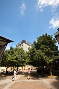 Commerce Courtyard