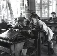ethanpatrick7:  mimbeau:  The harmonica Circa 1940 Robert Doisneau  Adorable.