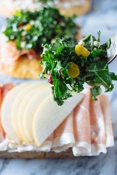 Prosciutto and goat cheese crostini