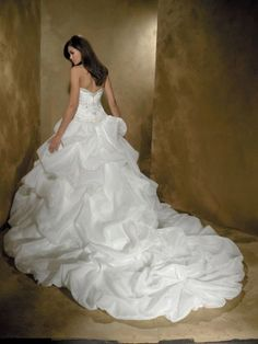 White Balklänning Ärmlös Axelbandslös Taft Cathedral Train Applique bröllopsklänningar för 6279kr