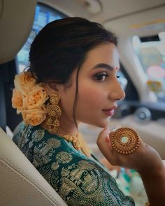 We are obsessed with this look The pretty floral bun striking earring and that big ring in hands is looking absolutely gorgeous Wedding Looks, Wedding Wear, Bridal Looks, Wedding Jewelry, Wedding Accessories, Bengali Wedding, Bengali Bride, Indian Bridal Outfits, Indian Bridal Fashion