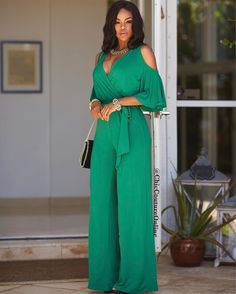 Classy Work Outfits, Chic Outfits, African Print Fashion, African Fashion Dresses, Fashion Pants, Girl Fashion, Fashion Outfits, Chic Couture Online, Dress Attire
