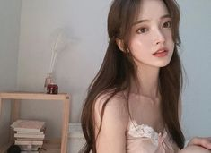 Image may contain: one or more people Pretty Korean Girls, Cute Korean Girl, Pretty Asian, Cute Asian Girls, Beautiful Asian Girls, Cute Girls, Mode Ulzzang, Ulzzang Korean Girl, Korean Aesthetic