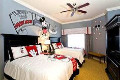 Color scheme for Mickey room Mickey Mouse Bedroom, Mickey House, Minnie Mouse, Disney Baby Nurseries, Disney Nursery, Bedroom Themes, Kids Bedroom, Disney Kids Rooms, Little Boys Rooms