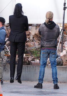 Tom Hiddleston is jumping straight into Thor filming (Photo source: https://twitter.com/colorange73/status/768042912462405632 ) Video: https://vine.co/v/5OzKvMxneub