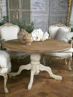 Shabby chic dining room ideas, décor, colors, furniture, and accents that characterize a Shabby Chic design, along with a handful of pictorial examples #oldfurniture #recycledfurniture #shabbychicfurnitureideas