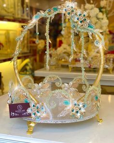 Diwali Decorations At Home, Wedding Decorations, Handmade Flowers, Handmade Crafts, Afghan Wedding, Indian Beadwork, Wedding Gift Wrapping, Mehndi Decor, Diy Gift Baskets