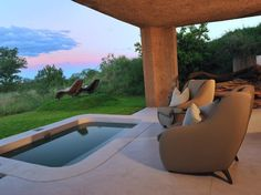 Honeymoon Resorts with Private Plunge Pools: Earth Lodge - Mpumalanga, South Africa Private Games, Private Pool, Spas, Hotels And Resorts, Best Hotels, Luxury Hotels, Luxury Travel, Lanai Design, Romantic Resorts