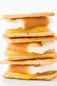 Lemon Meringue Pie S'mores - And more s'mores ideas!