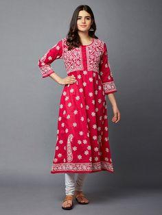 Indian Attire, Indian Ethnic Wear, Pakistani Outfits, Indian Outfits, Cotton Anarkali, Kurta Designs Women, Elegant Saree, Indian Designer Wear, Indian Dresses