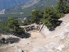 Greek site in Turkey said to equal Delphi