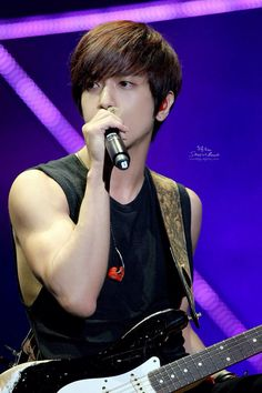 Yong Hwa is always so perfect)♡