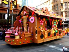 Santa Parade 2007 - Ginger Bread House Float | Flickr - Photo Sharing!