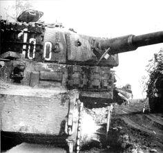 Tiger tank number 100 of Schwere Panzer-Abteilung 507