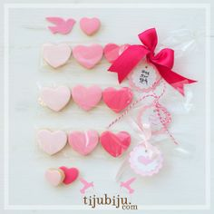 Kalp Kurabiyeler. Pink and sweet heart cookies. For Valentines and for all times love.