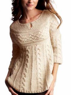 Tunik önü açık veya düğmeli bluza göre daha uzun genellikle kıyafetlerin üstünden giyilen bir kıyafettir. Kullanışlı olması açısından sıklıkla tercih edilmektedir. Özellikle türbanlı bayanlar için yeni trend, moda olmuş tunikler son zamanlarda çok fazla rağbet görmektedir. Tesettür tunik modelleri genellikle pantolon ile kombin yapılan dış tesettür giyiminin en vazgeçilmez parçasıdır. Özellikle de kapalı bayanlar kombin …