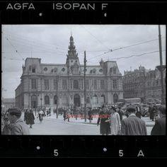 POITIERS - 1940 La Mairie et la Place d'Arme sous l'occupation, photographie professionnel prise par l'occupant.