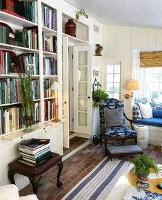 Living Area, Living Spaces, Small Living, Modern Living, New England Farmhouse, New England Cottage, Home Libraries, Home Fashion, Cozy House