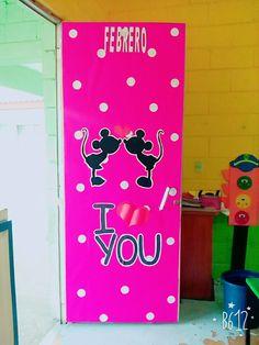 Mickey minnie love puerta benc escuela for Puertas decoradas del 14 de febrero